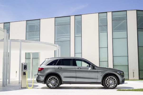 Noul Mercedes GLC hibrid