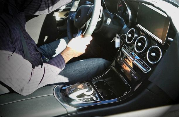 Noul Mercedes GLK interior