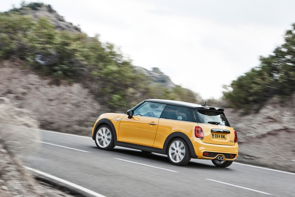 Noul Mini Cooper 2014 in motion