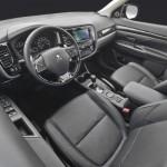 Noul Mitsubishi Outlander 2015 interior