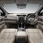 Noul Nissan Navara 2014 interior