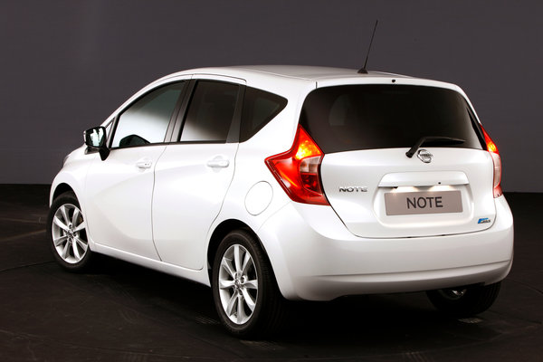 Noul Nissan Note 2013 spate