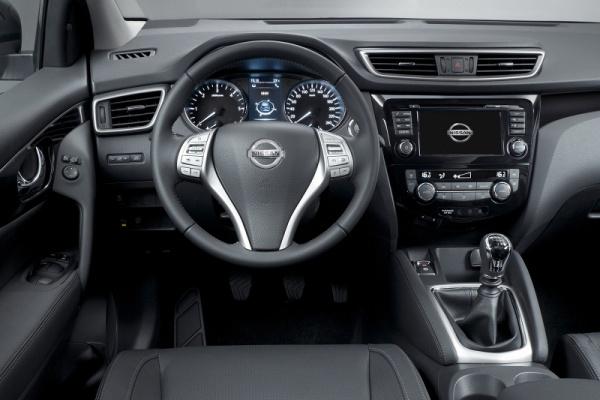 Noul Nissan Qashqai interior Noul Nissan Qashqai disponibil exclusiv cu 5 locuri