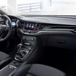 Noul Opel Astra 2015 interior bord