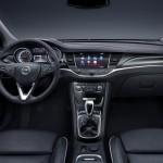 Noul Opel Astra 2015 interior