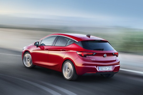 Noul Opel Astra 2015 galerie