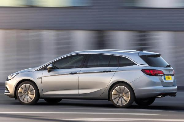 Noul Opel Astra Sports Tourer 2015 lateral imagini