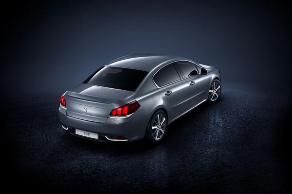 Noul Peugeot 508 2014 facelift imagine oficiala spate