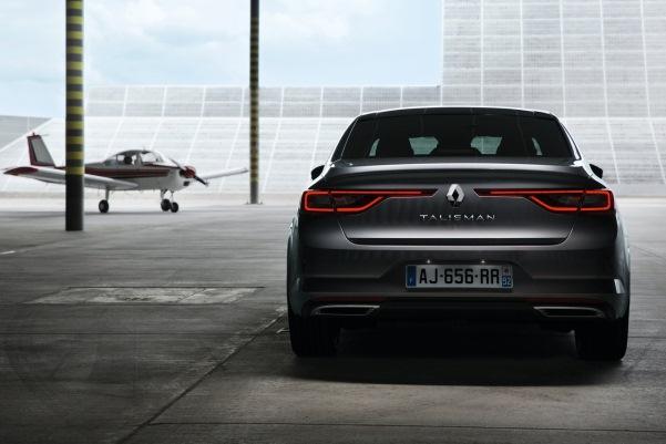 Noul Renault Talisman foto spate