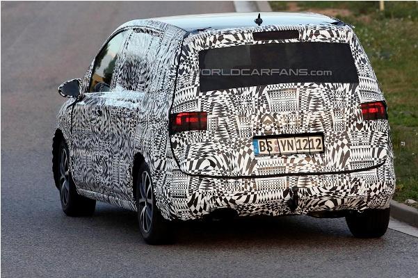 Noul VW Touran 2015 spate