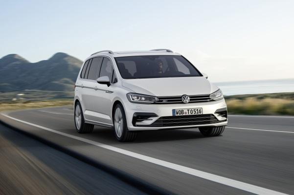 Noul VW Touran 3 fata