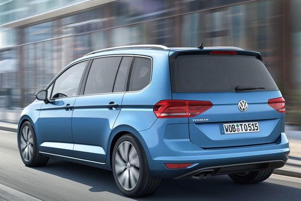 Noul VW Touran 3 spate
