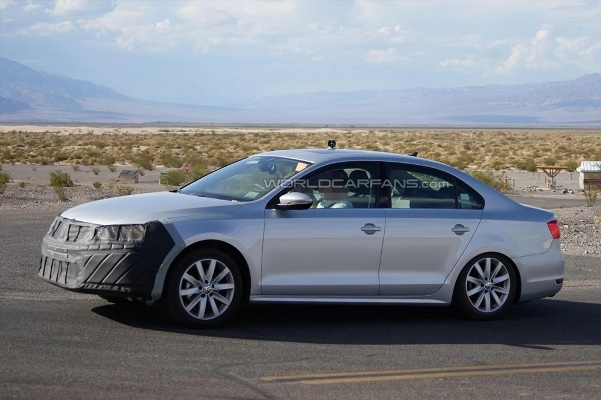 Noul Volkswagen Jetta facelift 2014 lateral