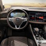 Noul Volkswagen Touareg interior cockpit