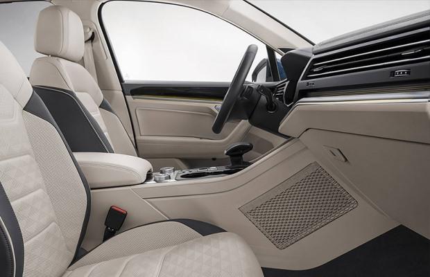 Noul Volkswagen Touareg interior