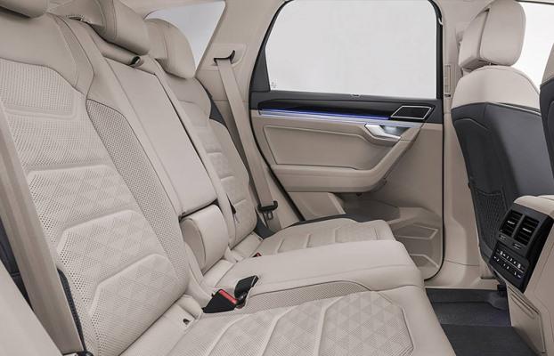 Noul Volkswagen Touareg interior spate
