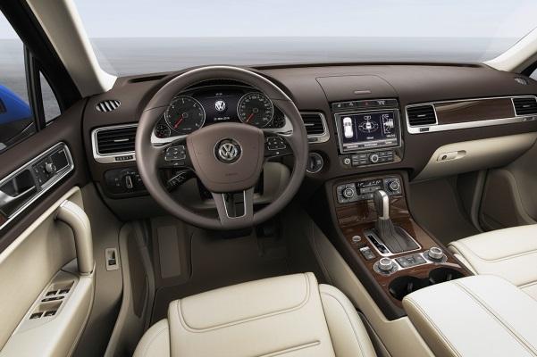 Noul Volkswagen Touareg facelift 2014 interior