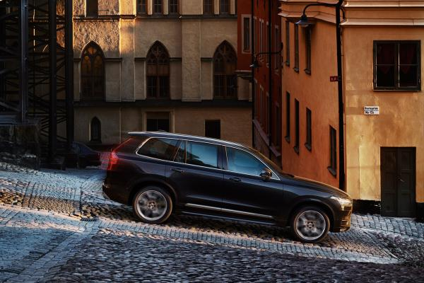 Noul Volvo XC90 2014 lateral