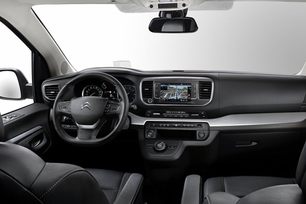 Noul minivan Citroen SpaceTourer 2016 interior