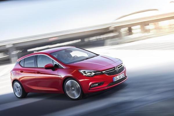 Opel Astra 2015 lateral