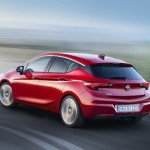 Opel Astra 2015 spate