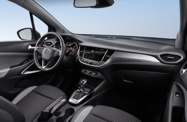 Opel Crossland X 2017 interior