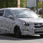 Opel ieftin - modelul Viva lateral