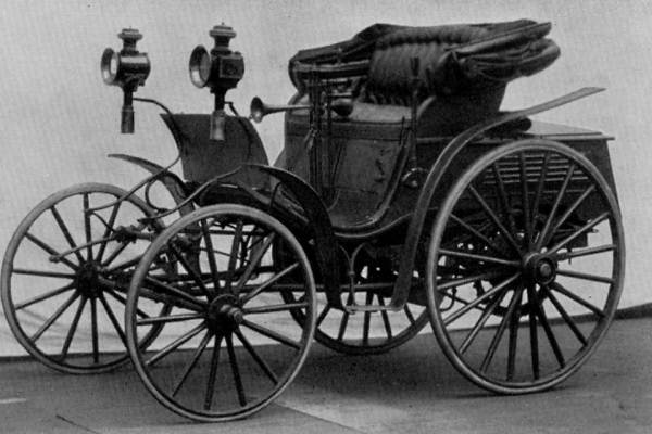 Prima masina Benz cu 4 roti