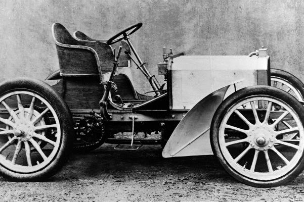 Prima masina Mercedes