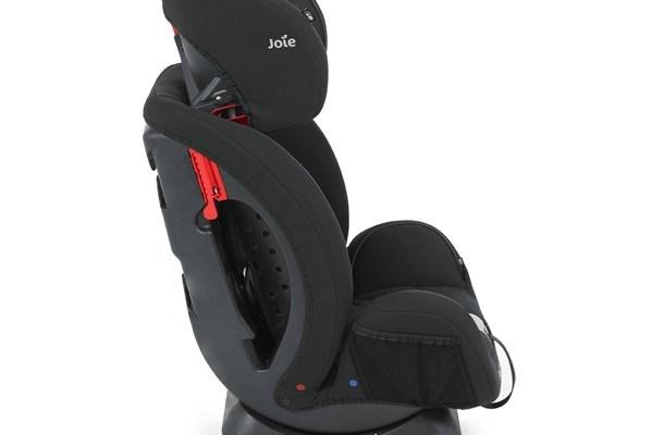 Scaunul auto Joie Stages Ladybird negru
