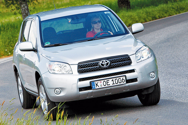 Top masini fiabile in Germania pentru 2014 Toyota RAV4