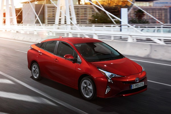 Toyota Prius recenzie si istorie - a patra generatie