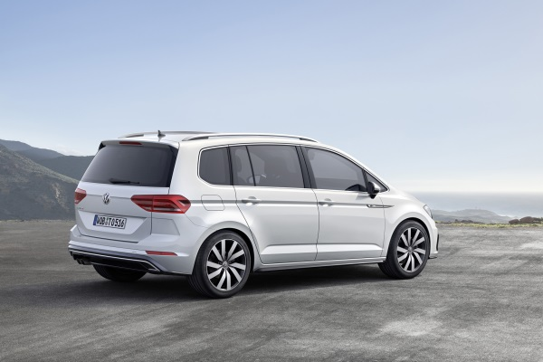 Volkswagen Touran 2015 lateral